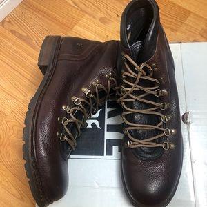 FRYE  Rogan Alpine  Lace up Boots